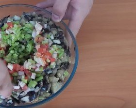 летний баклажанный салат