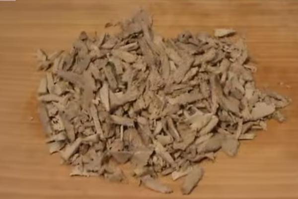 Нарезаем телятину