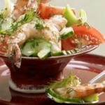 Диетический овощной салат с креветками